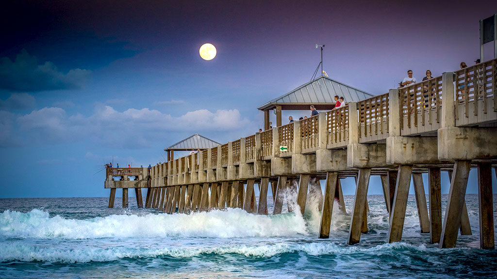 Juno Beach Fishing Pier